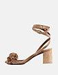 Sandalia ante camel detalle flecos By FAR