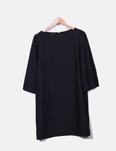 Vestido negro oversize detalle espalda