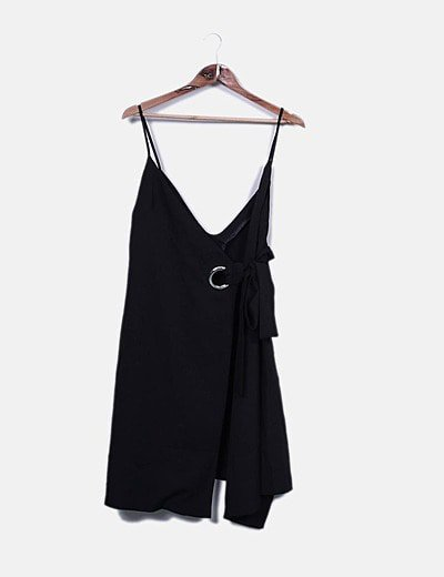 Vestido tirantes negro hebilla