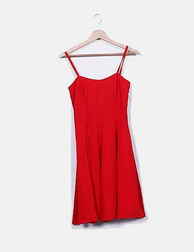 Vestido rojo de tirantes evasé