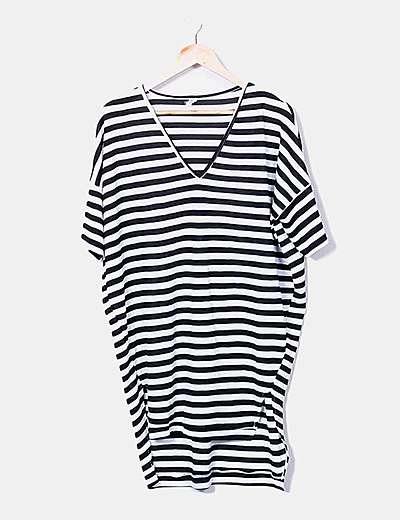 Camiseta larga tricot rayas blanco y negro