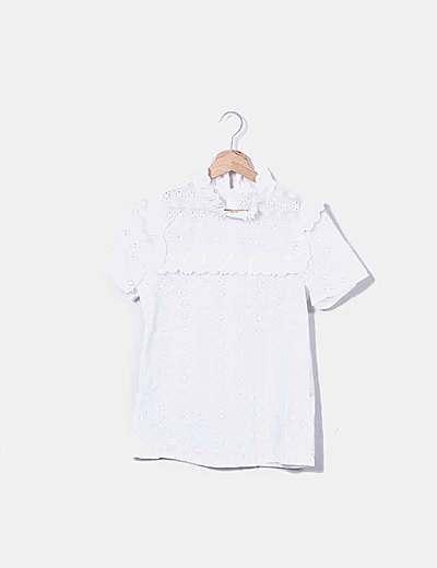 Top blanco con bordados