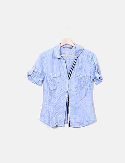 Camisa azul entallada