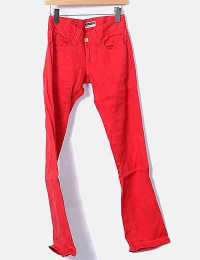 Pantalón denim recto rojo