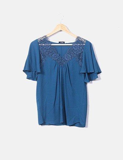 Blusa azul turquesa combinado