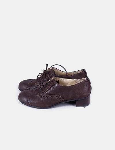 Sapatos de tacão Escarlata