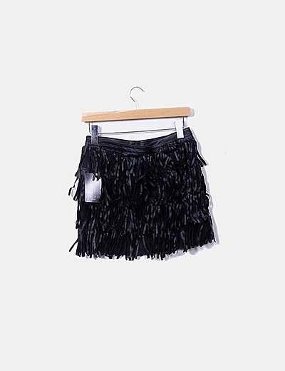Falda de cuero negra con flecos
