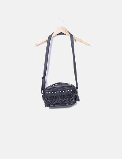 Bolso negro con flecos