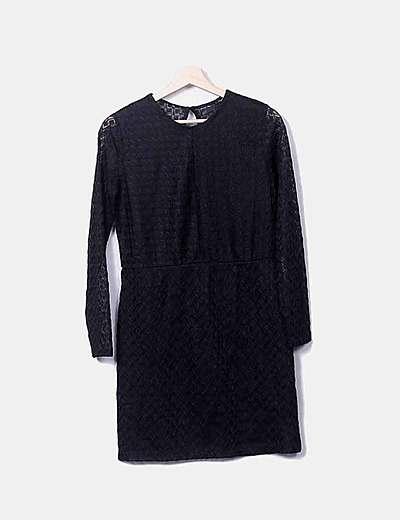 Vestido recto negro de encaje