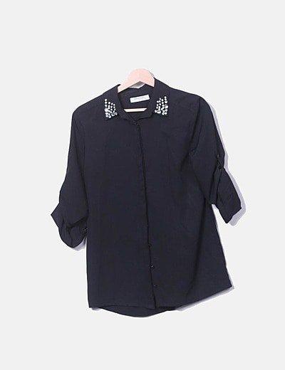 Camisa fluida negra con strass
