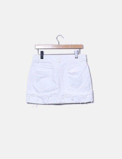 Falda blanca con perlas