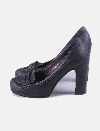 Sapatos de tacão