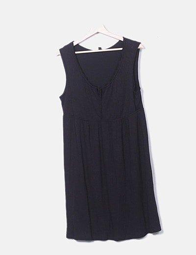 Vestido negro manga sisa