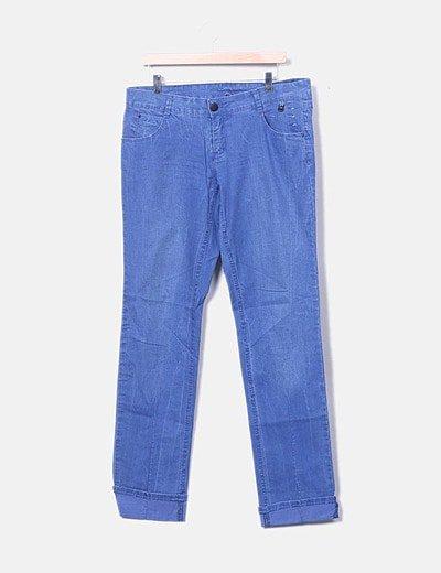Pantalón denim desgastado