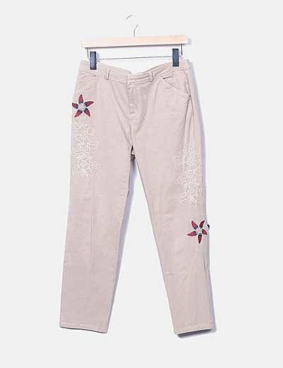 Pantalón beige bordado