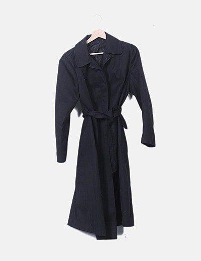 Gabardina negra de manga larga