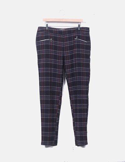 Pantalón chino cuadro escoses