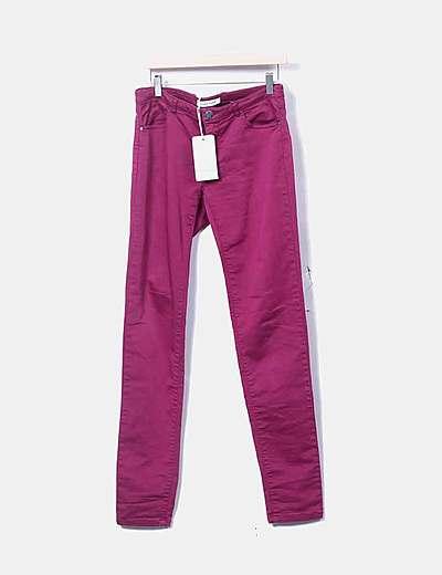 Jeans denim pitillo rosa