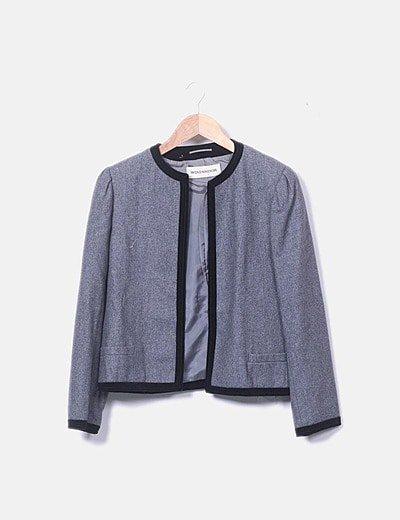 Conjunto chaqueta y falda gris