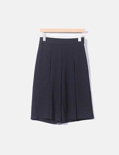 Pantalón crop negro texturizado