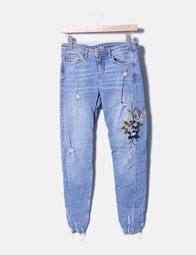 Jeans denim pitillo bordado