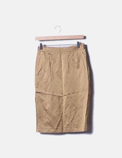 Conjunto de blazer y falda dorada