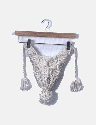 Gorro tricot blanco con pompón