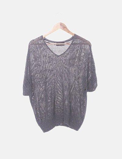 Blusa troquelada gris