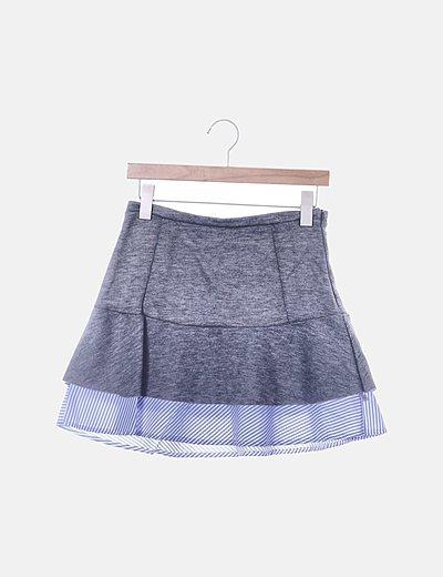 Falda mini gris con volante