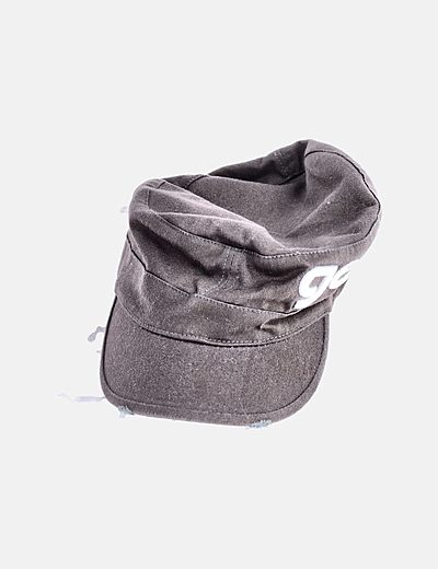Gorra marrón bordado letras