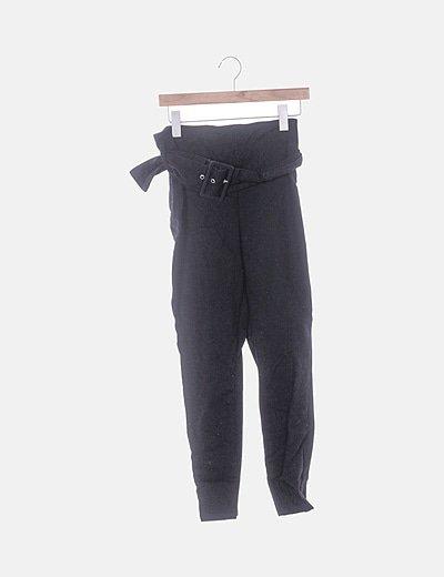 Jeans denim negro con cinturón