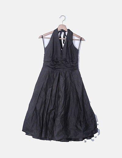 Vestido fluido negro cuello halter