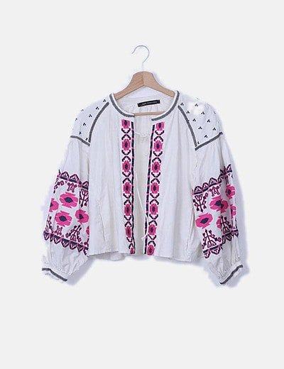 Kimono blanco mangas abullonadas rosa