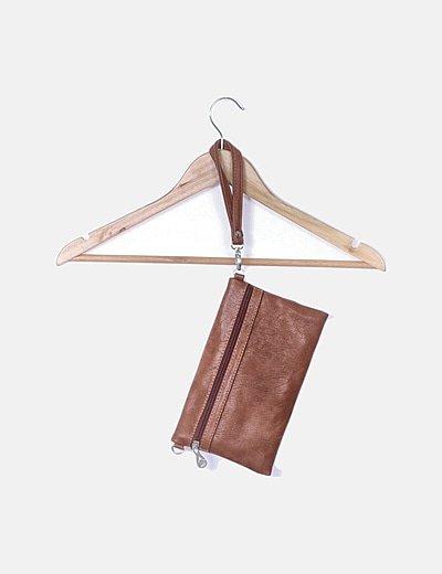 Mini bolso clutch marrón