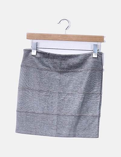 Falda gris entallada