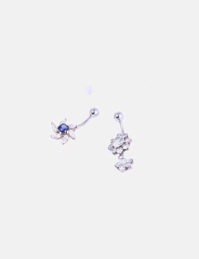 Conjunto de dos piercings plateados con strass