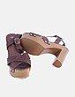 Sandalia marrón de tacón Marypaz