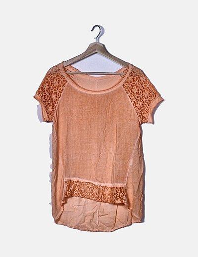 Blusa naranja combinado con encaje