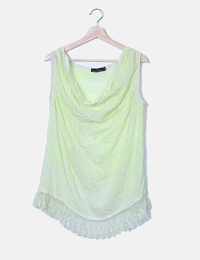 Blusa verde con strass