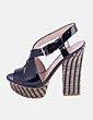 Sandálias de tacão Guess