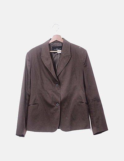 Blazer marrón con botones