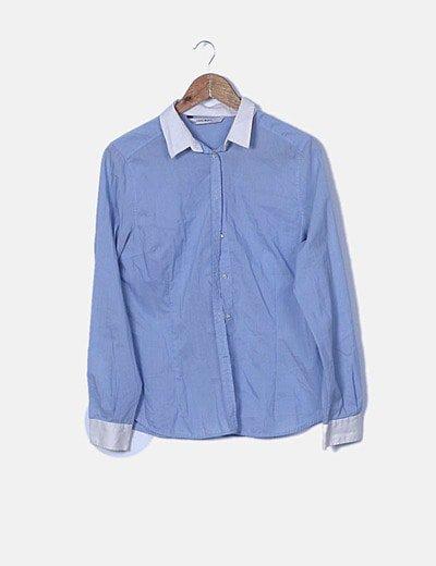 Camisa azul clara