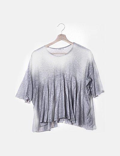 Camiseta gris oversize