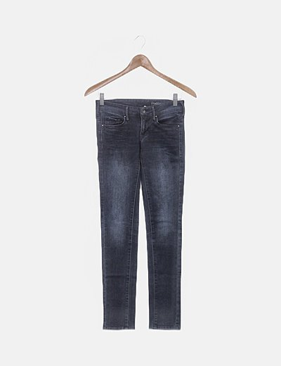 Jeans denim oscuro pitillo