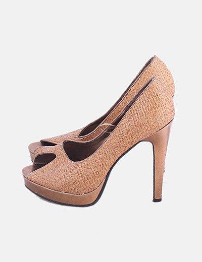 Zapato de tacón camel combinado peep toe