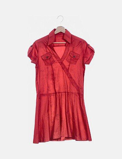 Vestido camisero rojo evasé