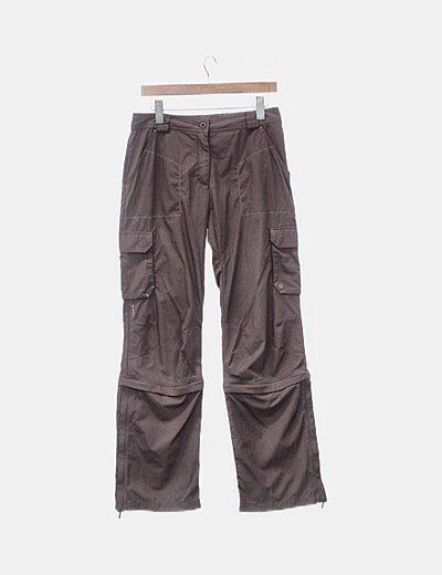 Pantalón marrón de monte