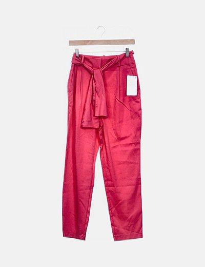 Pantalón chino fucsia con cinturón