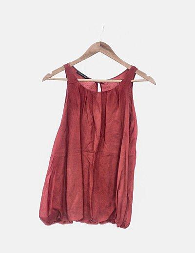 Camiseta roja de tirantes