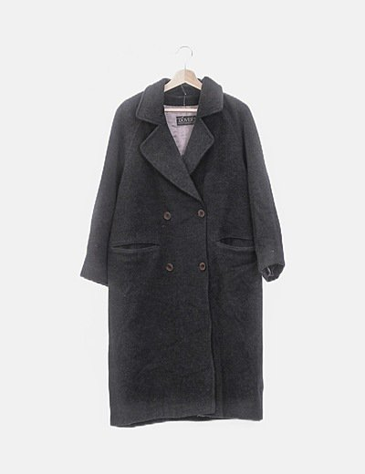 Abrigo largo gris abotonado